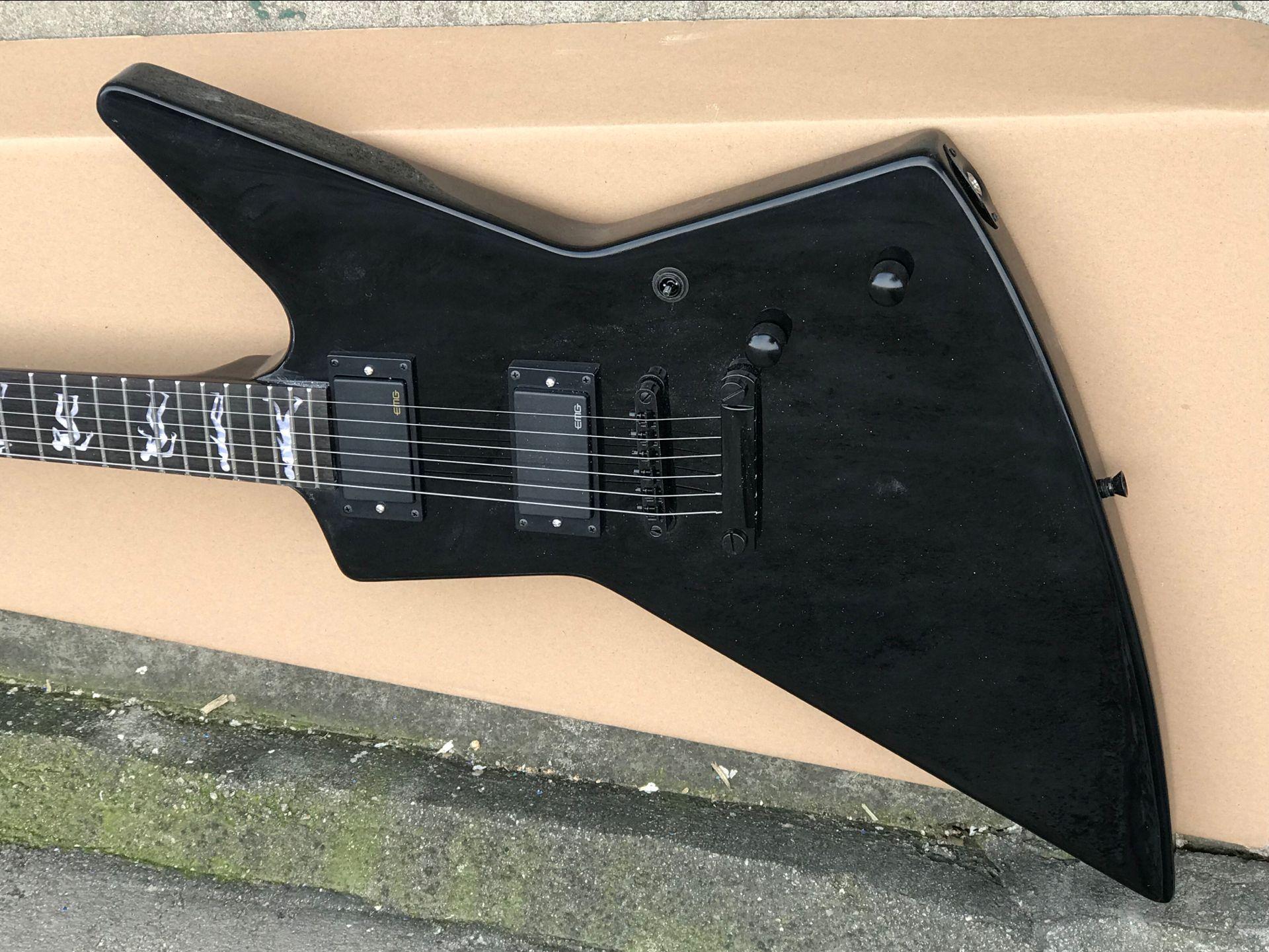 Metallo pesante Ironico James Hetfield Gloss Black Explorer Guitar Electric Guitar Man To Wolf Inlay, EMG Active Pickup 9v Battery Box, hardware nero