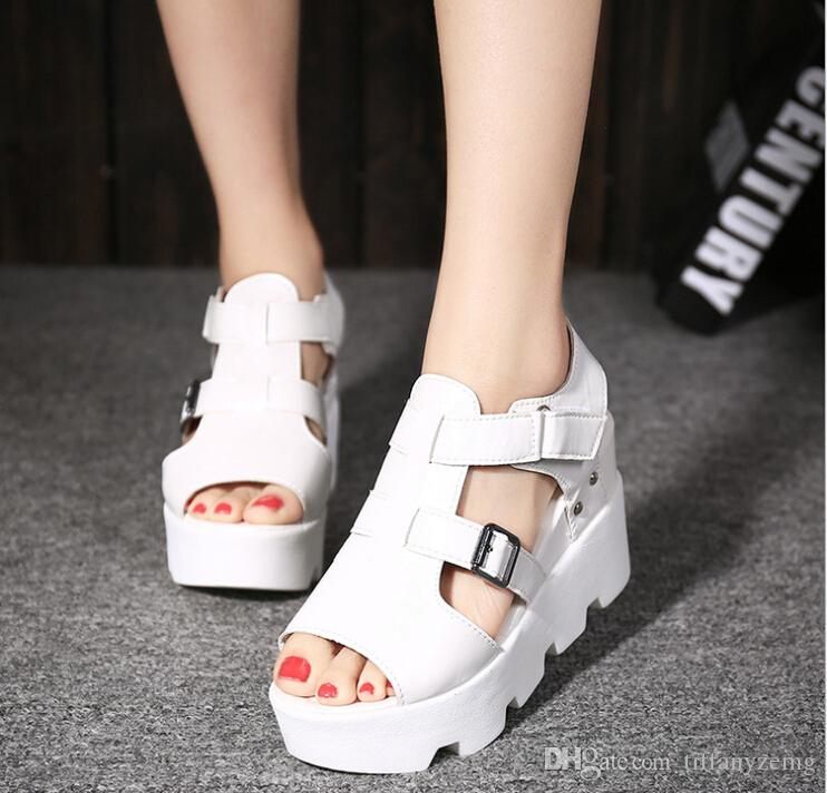 2019 корейской версии весенних и летних ботинок с толстым дном во рту женский внутренний клин сандалии водонепроницаемые платформы маффи