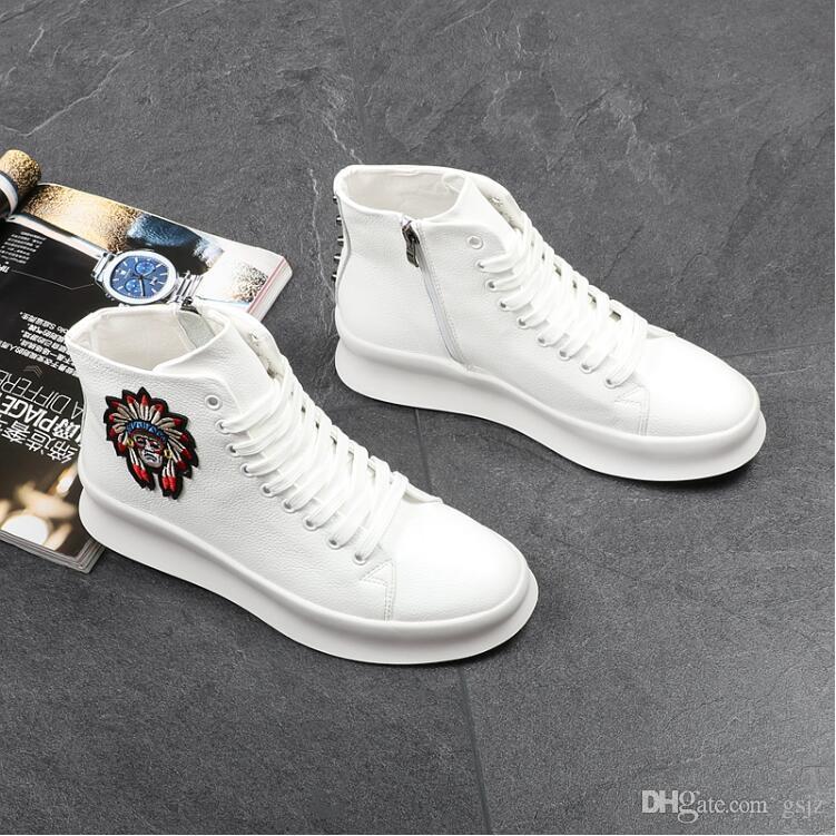 New Style Italian Style Sneaker Uomo Cristalli Spikes Casual Uomo Rivetti Appartamenti Moda Uomo Mocassini da Uomo Spiked Disegni Man Flats Z192