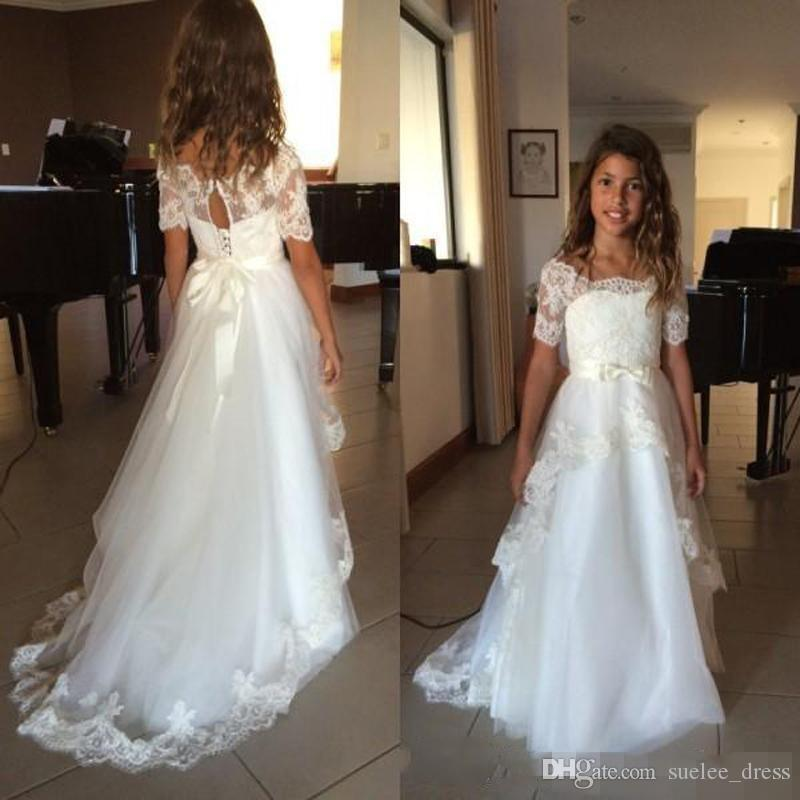 2020 Newest Short Sleeves Flower Girls' Dresses Lace Applique Tiered Tulle Scalloped Neckline Custom Made Kids Birthday Party Gowns