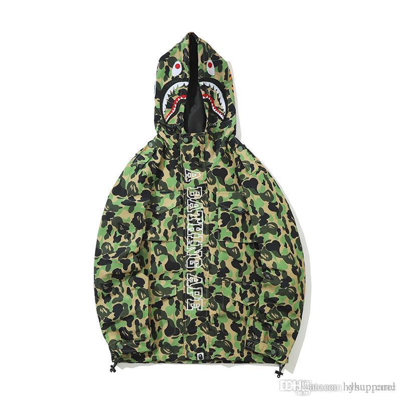 Nuovi uomini Camo Poliestere verde con cappuccio Windbreaker Lover Moda Cardigan per il tempo libero Cappotto popolare marchio Risvolto sottile giacca con cappuccio
