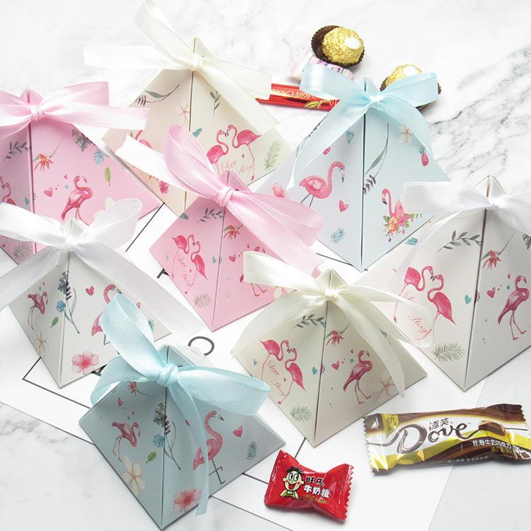 Yeni Yaratıcı Üçgen Piramit Flamingo Şeker Kutusu Düğün Parti Malzemeleri Yanadır Bomboniere teşekkürler Hediye Çikolata Kutusu