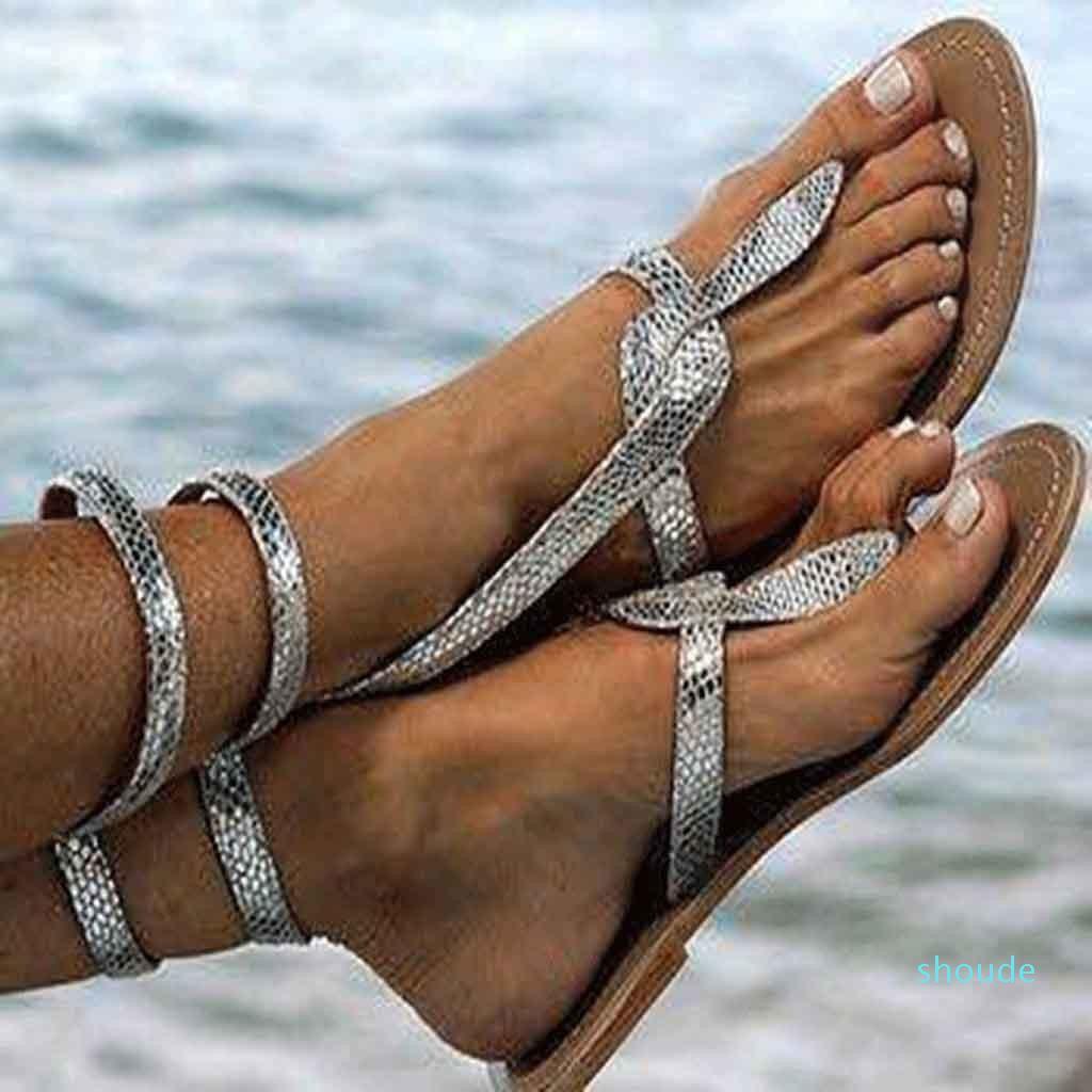 Hot Vente- 2020 Summer Sliver Chaussures Femme Chaussures d'été Femme Talons plates Casual boucle cheville Sandales Plus Size