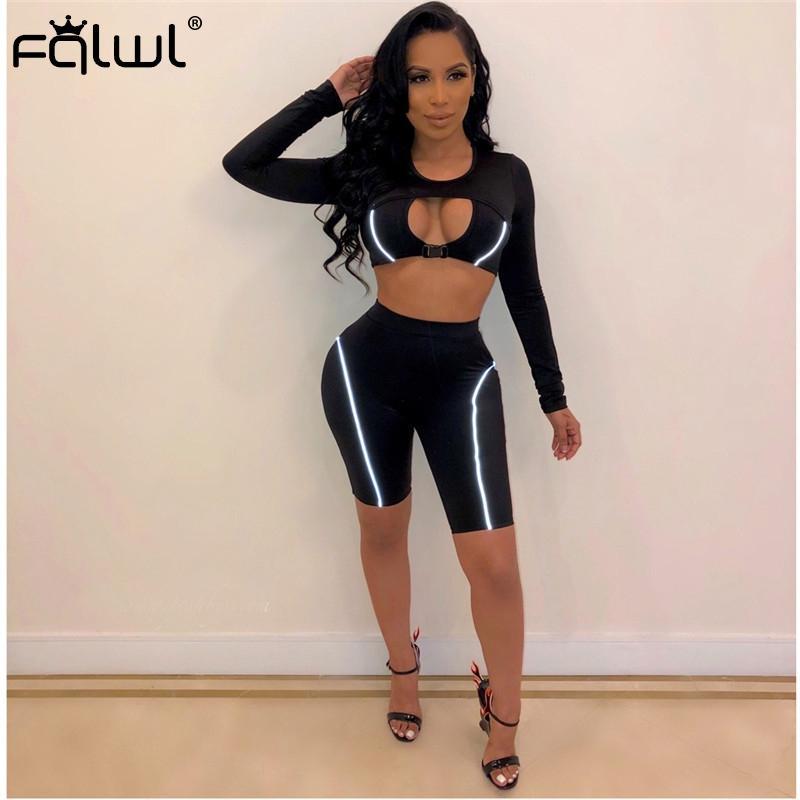 FQLWL Oymak Yansıtıcı Iki Parçalı Set Kadın Kıyafetler Spor Siyah Kırpma Üst ve Biker Kısa Kadın Eşofman Kadın Yaz Set