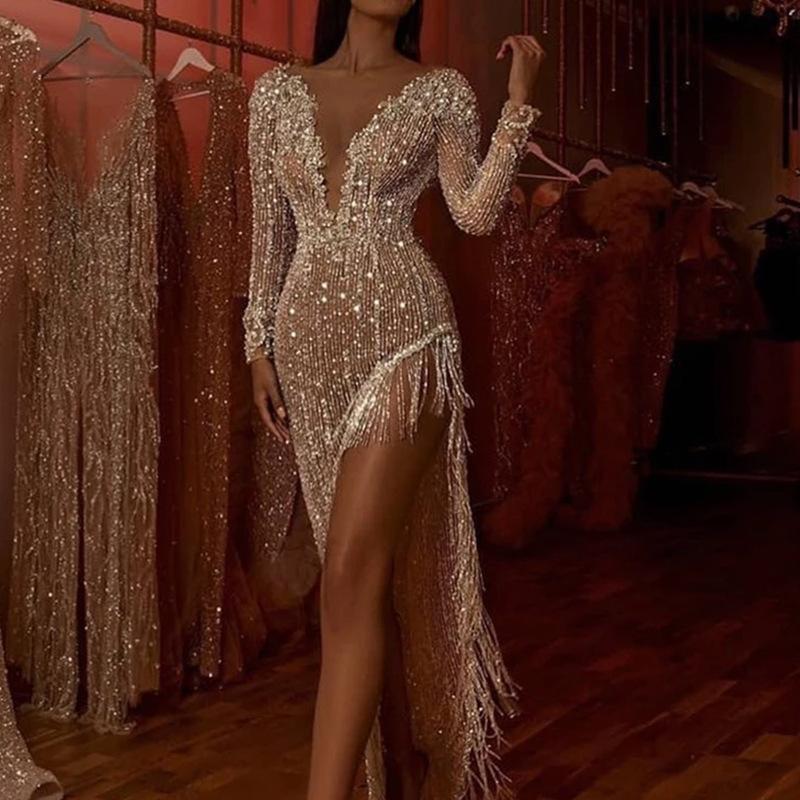 Kadınlar Seksi Püskül Pullu Pırıltılı Elbise Derin V Uzun Kollu Yan Yarık Asimetrik Elbise