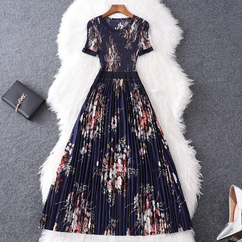 2020 Printemps Eté à manches courtes col rond bleu foncé imprimé floral lambrissé Robe mi-mollet Mode Robes Casual W15M84342