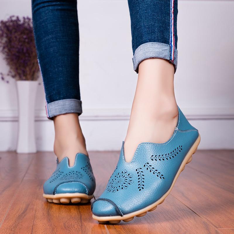 Tamanho Grande 2019 Shoes New Mom Estilo Shoes Poroso Plano Keel magro de Sandálias do verão Moccosins mulheres de couro Casual Sapatos
