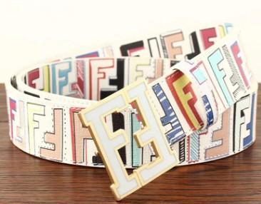 Includi la scatola originale 2019 Cinture di design Uomo e donna Cintura di moda Cintura di lusso in vera pelle Cintura di marca Cinture oro argento nero