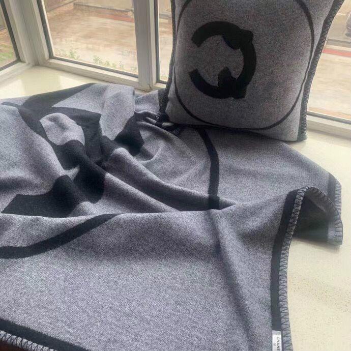 etiqueta de lujo C Beige Negro Manta espesa la manta de lana recorrido del hogar de la bufanda del invierno cálido chal diarias Mantas grande 170 * 140 cm gif de Navidad
