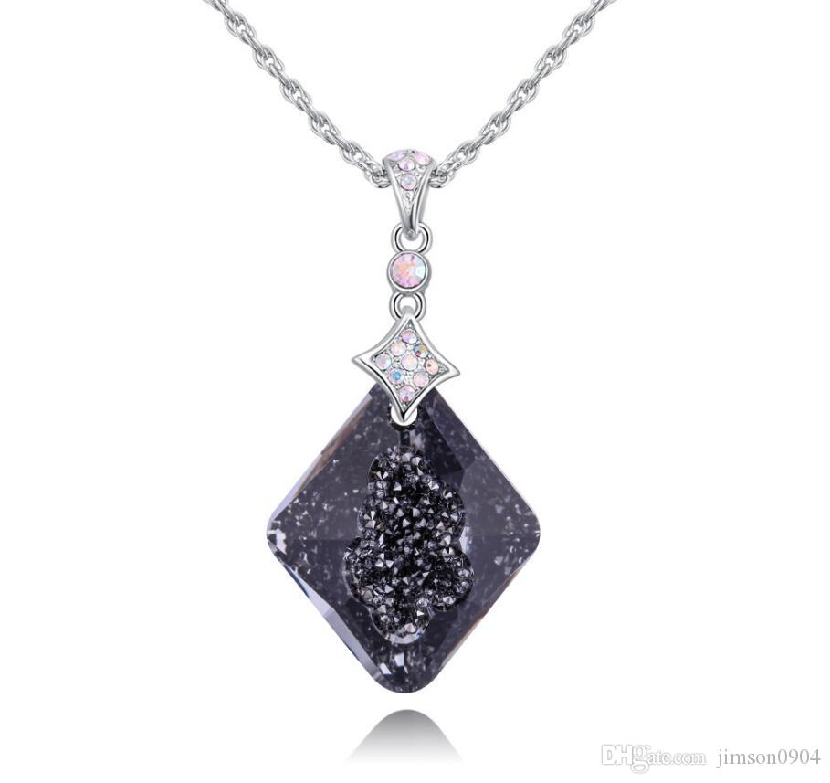 Made in China fashion jewelry Woman Originality Ornaments Using Swarovski Elemental Crystal Necklace female High-end OL Pendant