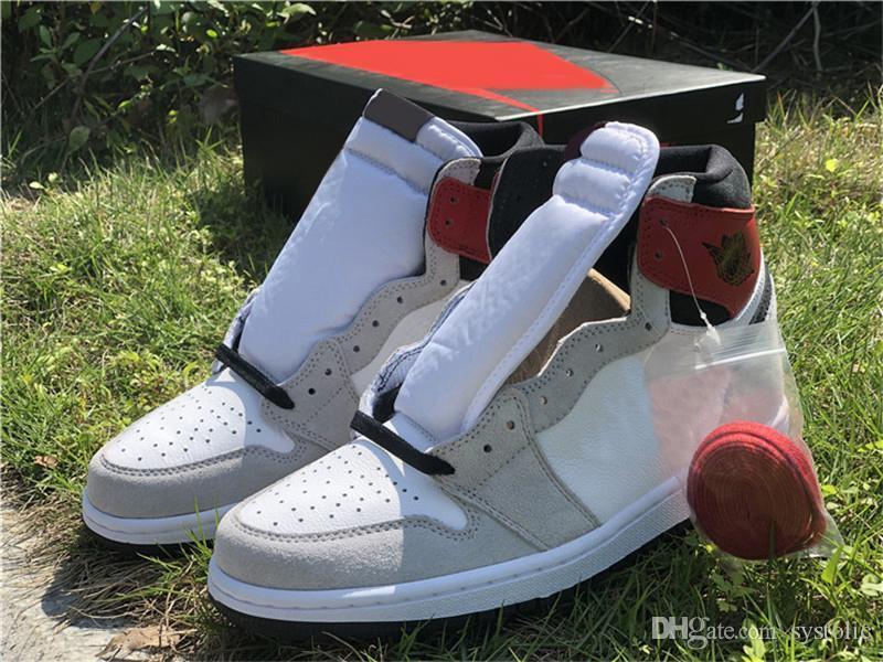 2020 Black Light lançamento Air 1 High OG Branco / Cinzento fumo-Varsity Homens Red tênis de basquete Sneakers Sports com caixa original
