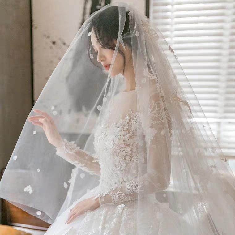 2020 Se precipitó Celebrity vestido al por mayor 2020 Nueva vestido de luz principal se arrastra lujo mujer de manga larga, pequeño sueño novia Hilados