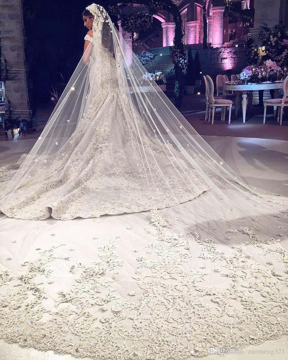 2020 de lujo de tres metros de velos de novia con aplique de encaje recortar largas velos de longitud de catedral de una capas de tul hecha a medida con cuentas de tul.