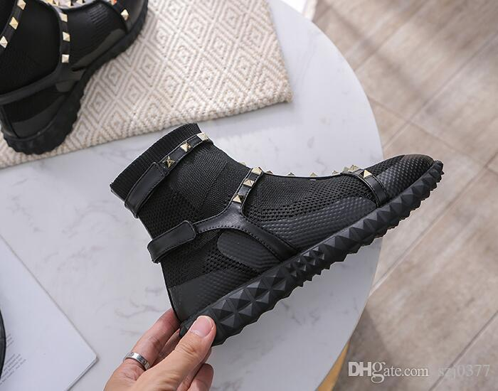 Designer Frauen Punk befestigt Martin Stiefel New Season Gestrickte Socken Füßlinge Schnee Ankle Boots Mode Luxus Lady England Stil Schuhe