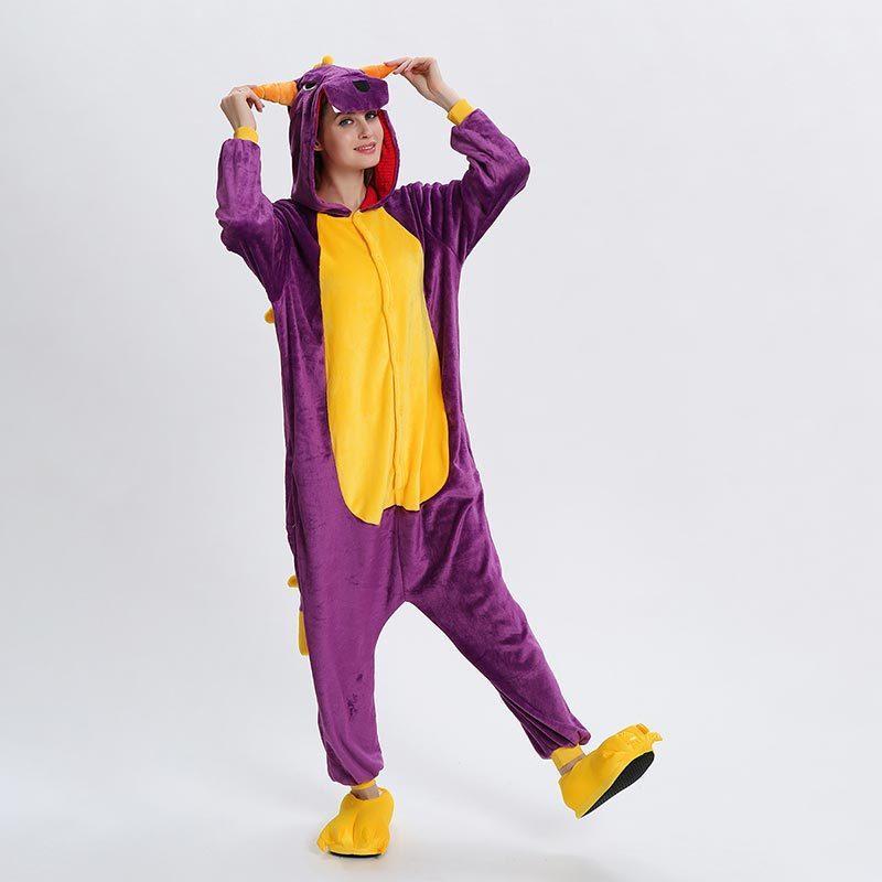 Spyro Dragon Onesie Аниме Мультфильм Kigurumis Фиолетовый Животных Пижамы Для Женщин Для Мужчин Взрослых Забавный Костюм Зима Теплая Милая Пижама Комбинезон Y200425