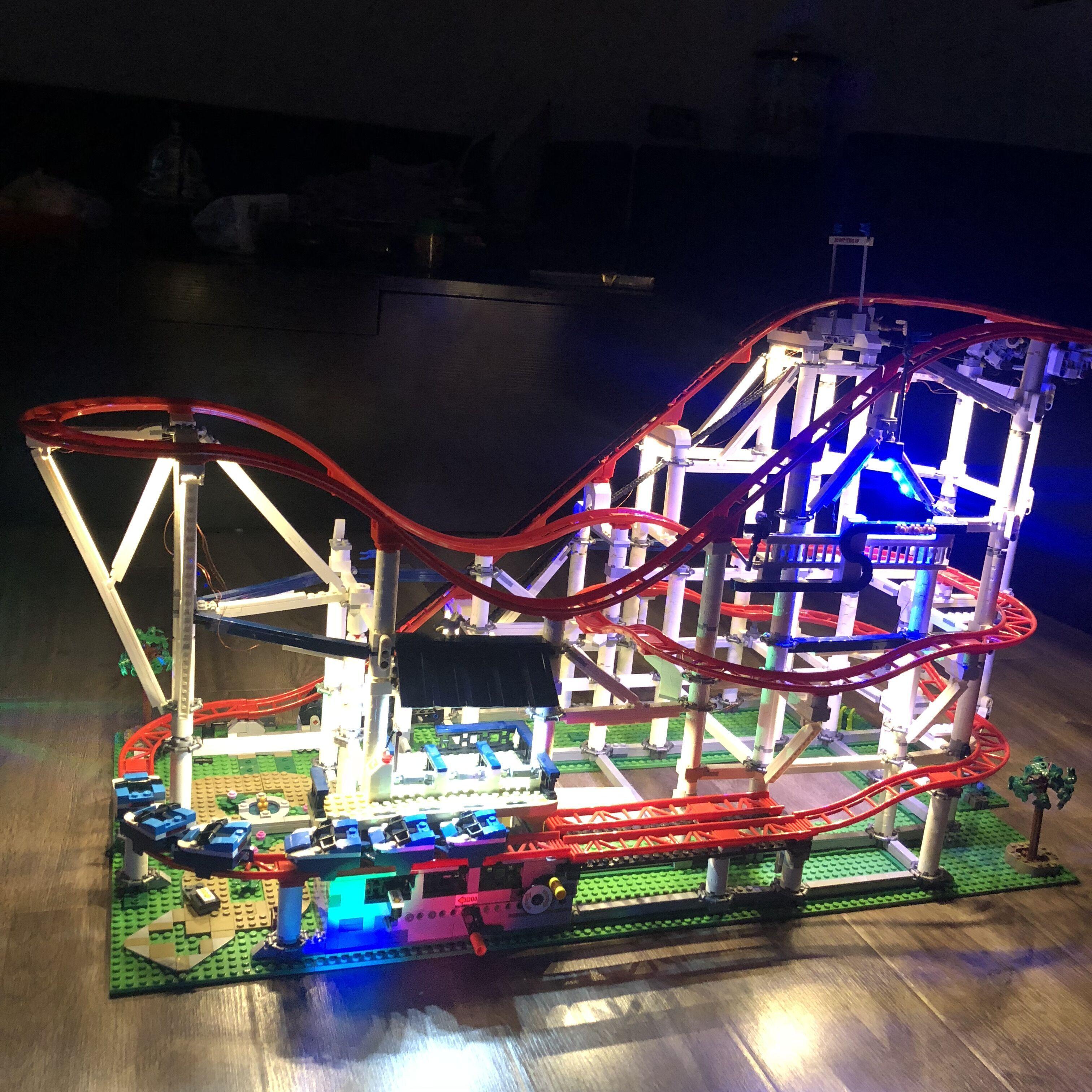 المبدع الخبير الرول كوستر أدى ضوء مجموعة ل IEGOset متوافق 10261 15039 اللبنات الطوب اللعب الهدايا