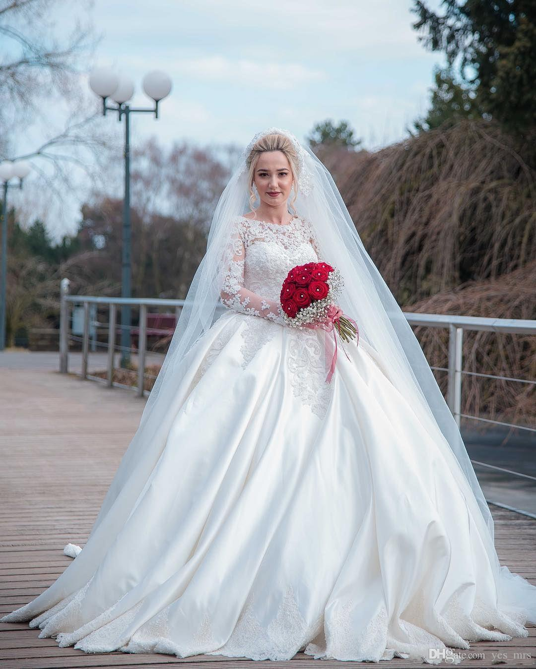 2020 새로운 현대 아랍어 공 가운 웨딩 드레스 보석 목 레이스 아플리케 긴 소매 새틴 플러스 사이즈 버튼 다시 긴 정식 신부 가운
