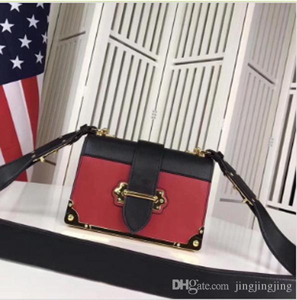 Tasarımcı Çanta Oluklu Vintage deri omuz askısı moda Kadın çanta zincir Crossbody Çanta Marka Tasarımcısı Messenger Çanta