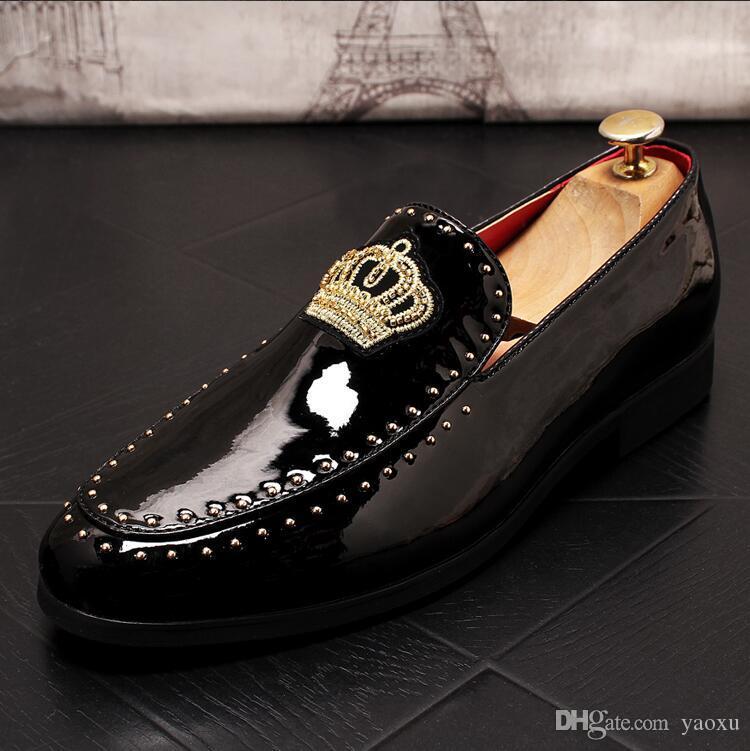 Мужская мода трендовая обувь мужчины скольжения на случайные удобные мокасины перо вышитые досуг вождения обувь DA052