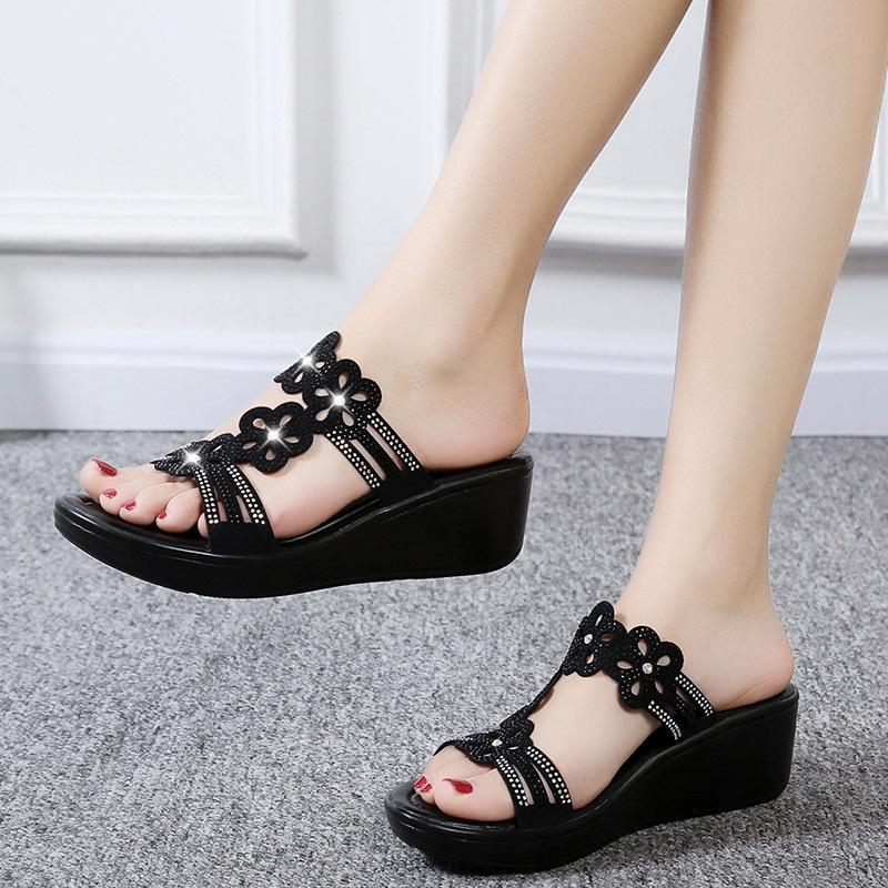 Тапочки 2021 летняя женская обувь клин женщины повседневный горный хрусталь цветы леди дикие сандалии шлепанцы