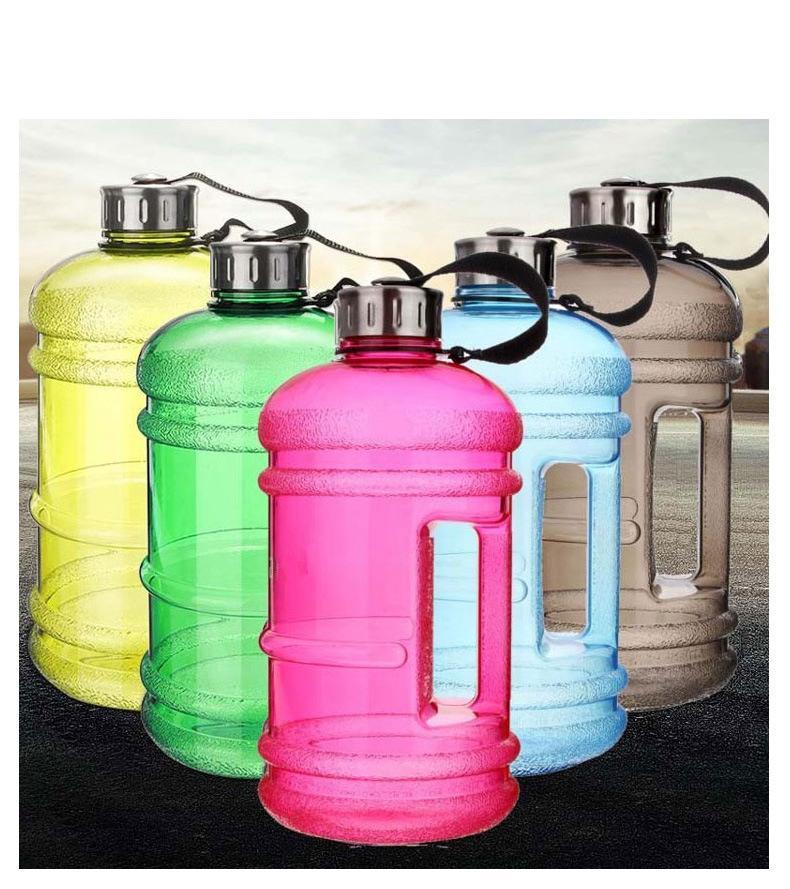 2019 Nueva 2.2L de gran capacidad de la botella de agua al aire libre taza plástica Botella Sport Gimnasio Hervidor Waterpot viajes Agua de la aptitud del asidero Caldera