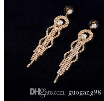 Precio bajo noble de alta calidad al por mayor 2pcs / lots diamante cristal 925 aretes de dama al azar de plata 9.1 (10.5 * 1.8 cm)