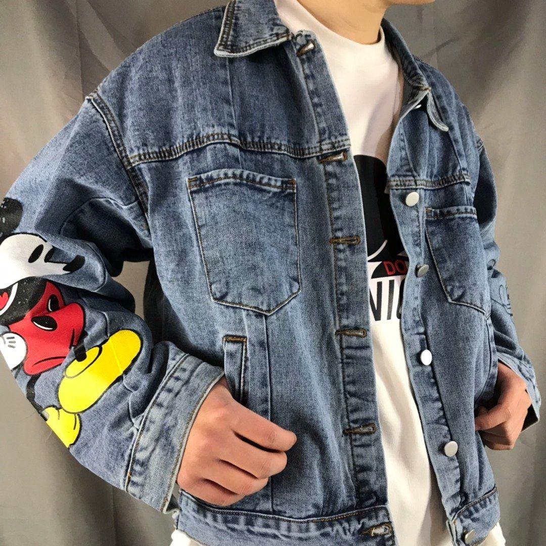 2020 새로운 남성 데님 자켓 패션 트렌드 데님 원단 가슴 장식 돌아 가기 큰 스티커 인쇄 솜씨 좋은 커플 재킷 포켓