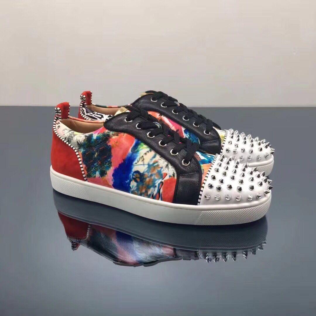 Itália moda top design de couro graffiti com spikes tênis de fundo vermelho para mulheres, homens casuais low top vermelho sola sola lazer sapatos