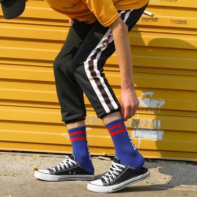 Trend Herren Sportsocken Männer und Frauen Paare Stocking Cotton Street Skateboard Beliebte Logo Letter Socken