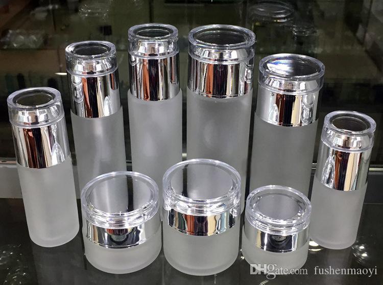 Bouteille de pulvérisation de pulvérisation de verre givrée de verre rechargeable Idéal pour la lotion huile essentielle, poteaux crème voyage petit conteneur avec couvercle d'argent brillant