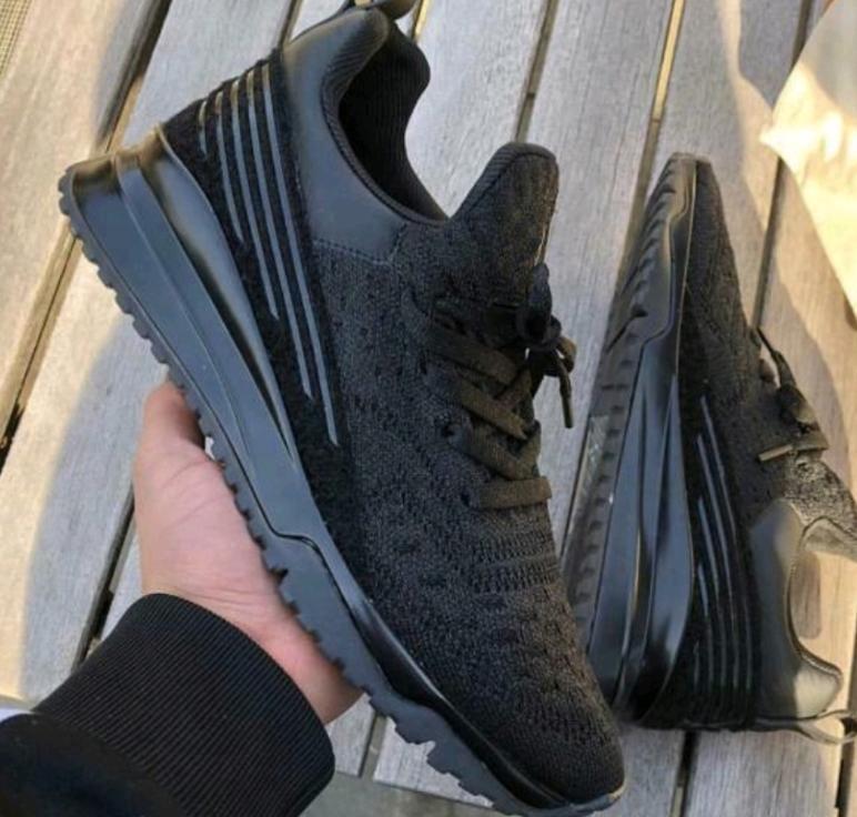 VNR Sneakers Korsan Siyah ayakkabı erkekler Kadınlar Box, Toz Torbalı Ayakkabı Düşük En Sneakers Erkek Eğitmenler Ayakkabı Koşu