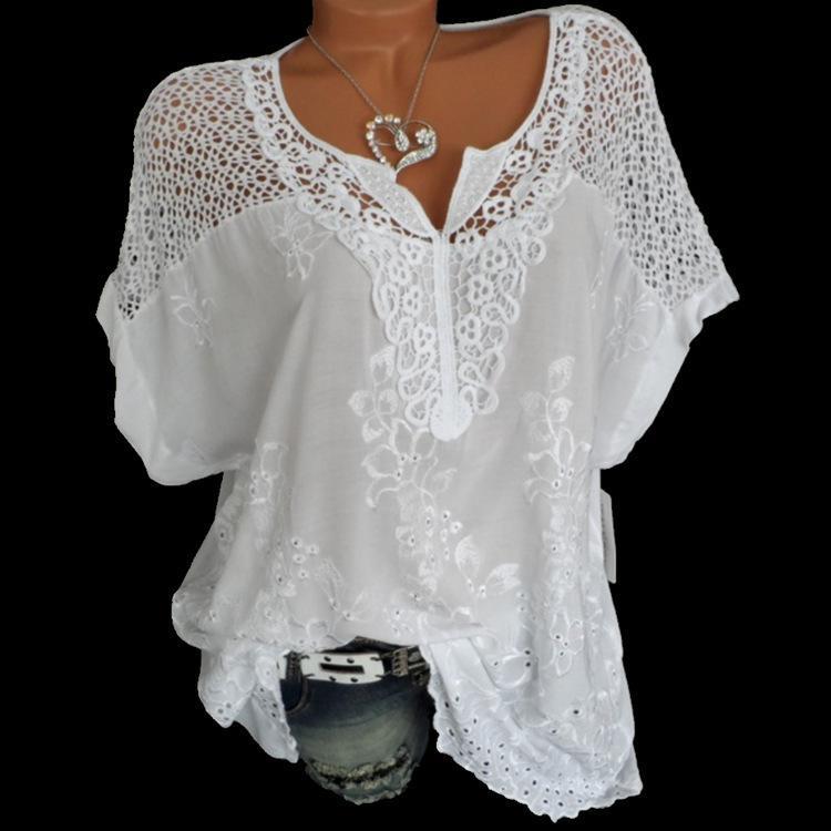 4XL Женские кружева Блузы Sexy V образным вырезом с коротким рукавом Вышитые Batwing Свободные рубашки Summer White Топы Сладкие Плюс Размер 5xl Рубашки Y200622
