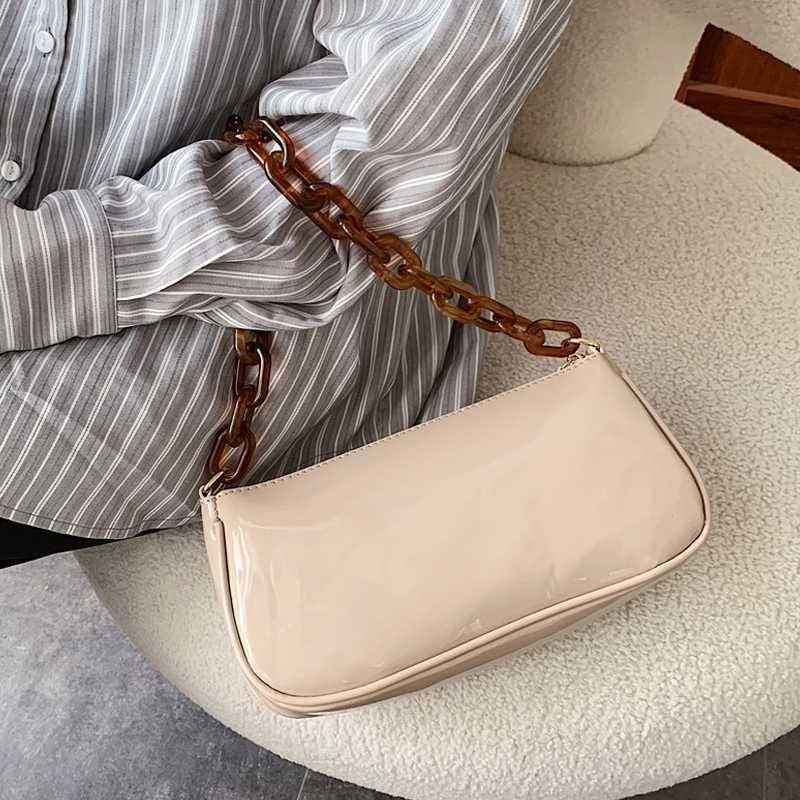 Retro Totes Women Small Baguette Shape Shoulder Bags 2020 New Acrylic Chain Women Messenger Bag Lidies Oil Wax Leather Hand Bags