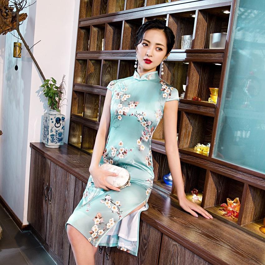 Retro-Stil neu Charme der Bein Frau Sommerkleidung cheogsam chinesische Elemente zeigen slik