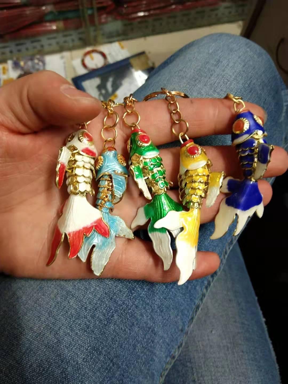 10pcs 5.5cm 7.5cm 9.5cm Lucky fiel a la vida de sillas llavero Llavero de los pescados del Goldfish colgante del esmalte clave con la caja favores de fiesta de Navidad