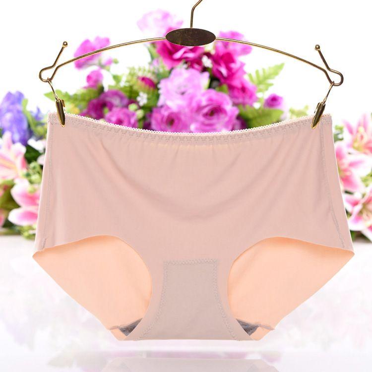 Lencería sexy bragas mujeres 2019 verano de una sola pieza de seda de hielo sin rastro de cintura plana calzoncillos de media altura ropa interior de mujer