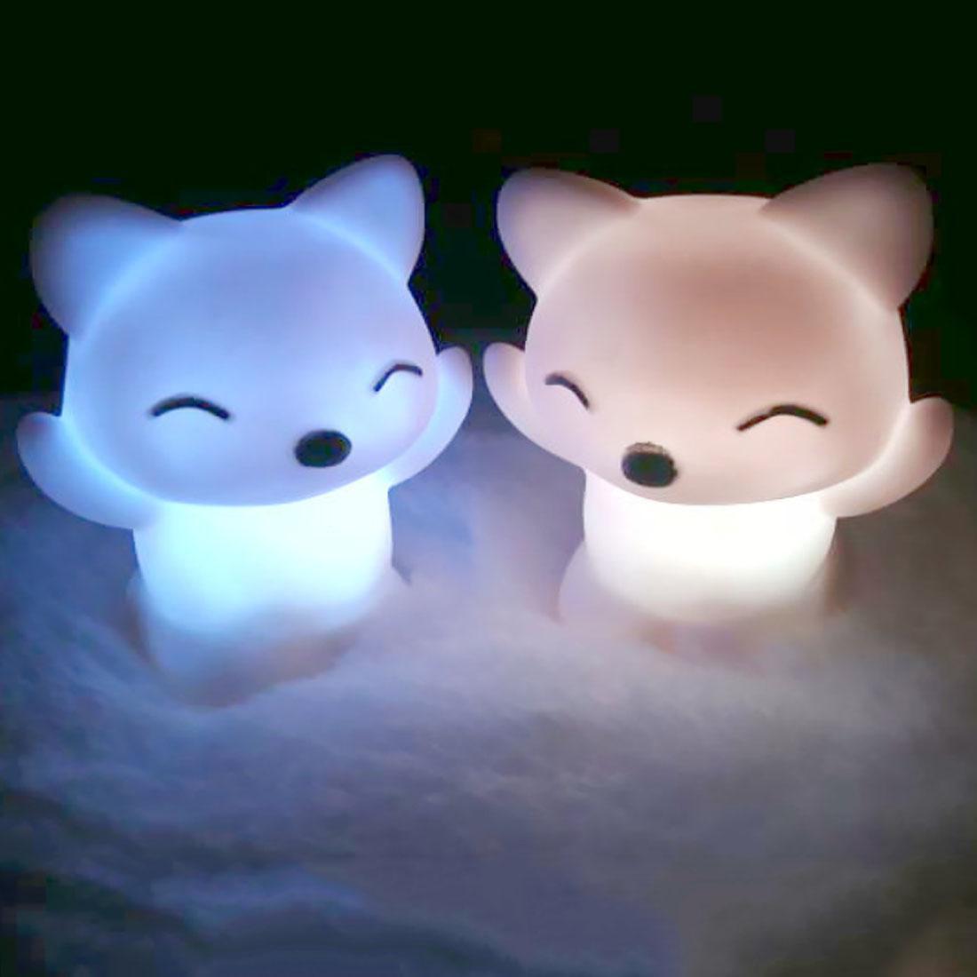 Belle forme Fox LED Night 7 couleurs changeantes LED Night Light Bouton Batterie Inclus Chambre Décoration Enfant Cadeaux Lampe animale