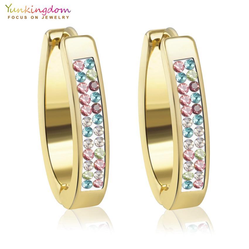 Cristalli colorati in acciaio inox Orecchini a cerchio per i gioielli donne all'ingrosso UE0096 orecchini del cerchio gioielli e accessori