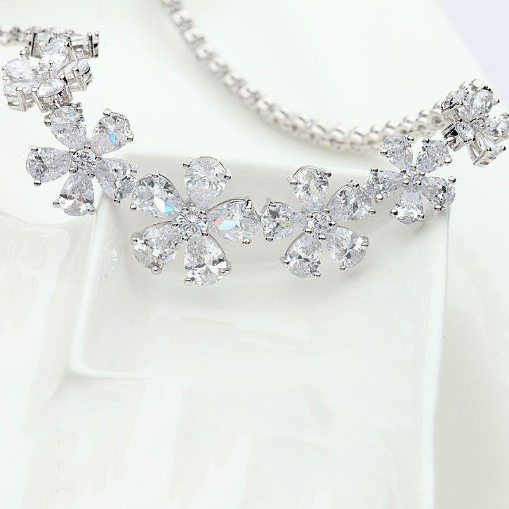 Fashion-Marca Luxurious Romantic catena in oro bianco-CZ di colore 7 fiori di pietra rotondo dei monili di cerimonia nuziale collana
