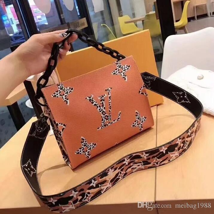 2020 NEW style women's bags handbag Famous designer handbags Ladies handbag Fashion tote bag women's shop bags backpack totes wallets tag 71