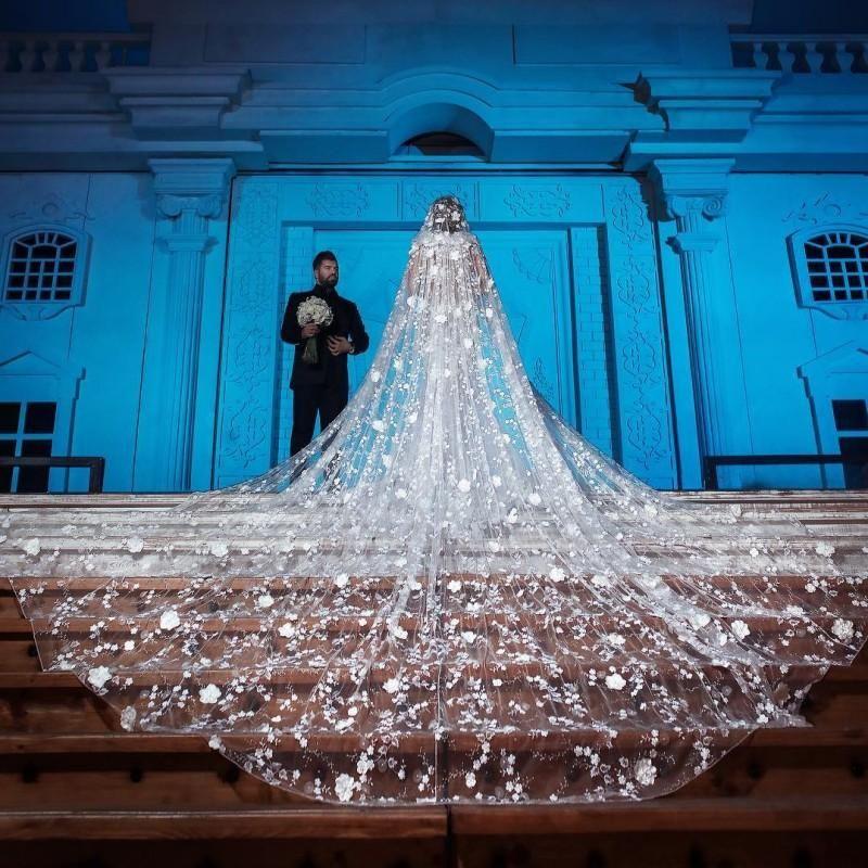Veil de mariage de la cathédrale de luxe de 4m de long avec appliques en dentelle 3D Tulle doux Tulle à une couche Accessoires de mariage de voile de mariée