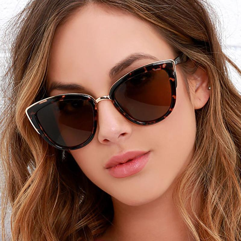 Nettes sexy Retro Katzenaugen-Sonnenbrille Frauen Small Black White Triangle Jahrgang Günstige Damen Sonnenbrille Red Female UV400