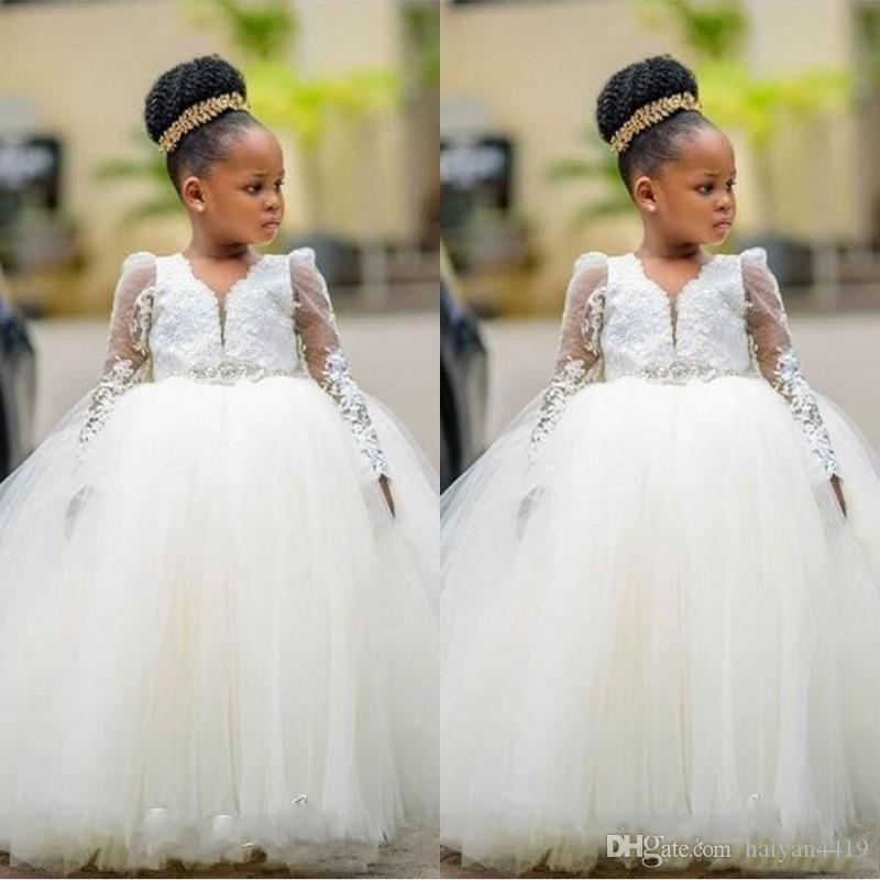 웨딩에 대한 새로운 저렴한 꽃의 여자 드레스 긴 소매 레이스 아플리케 비즈 구두 끈 Tulle 볼 가운 생일 소녀 친목회 선발 드레스