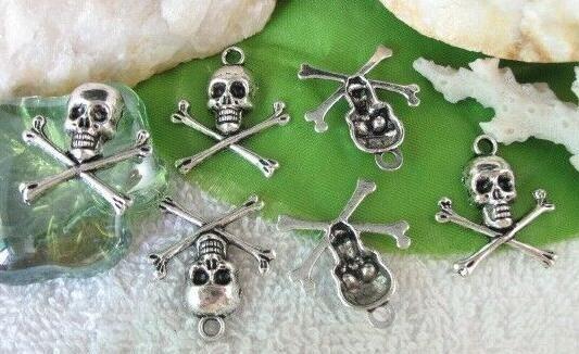 200 Pcs Tibetan Silver Gothic Skull Skeleton Charms Pendant 21mmx24mm For Men Women Jewelry Necklace Bracelet Earrings Accessories