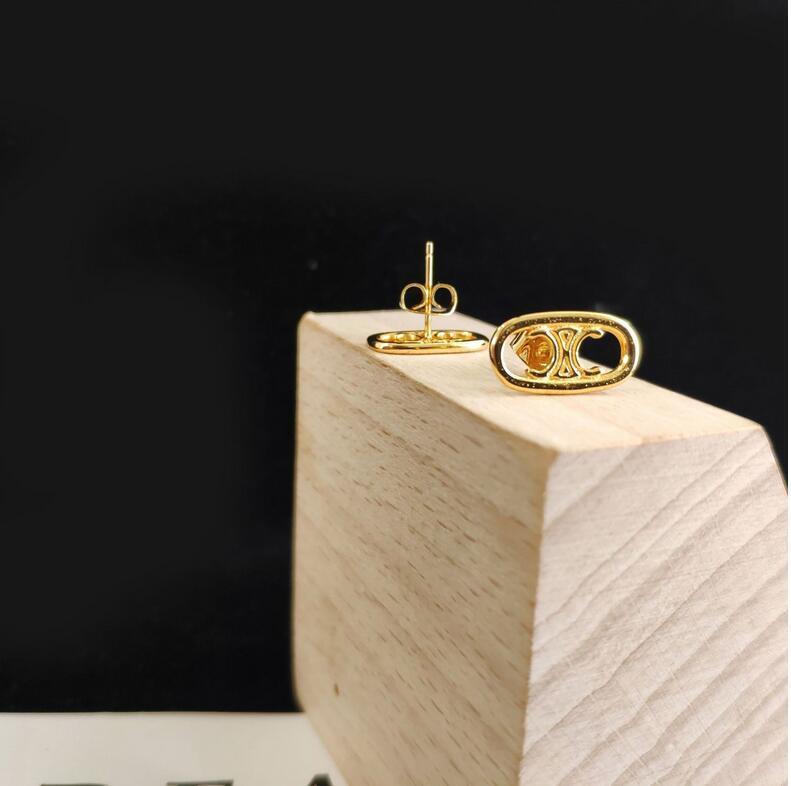 Modo delle nuove signore squisita di alta qualità orecchini di designer di gioielli in ottone alfabeto semplici accessori gioielli