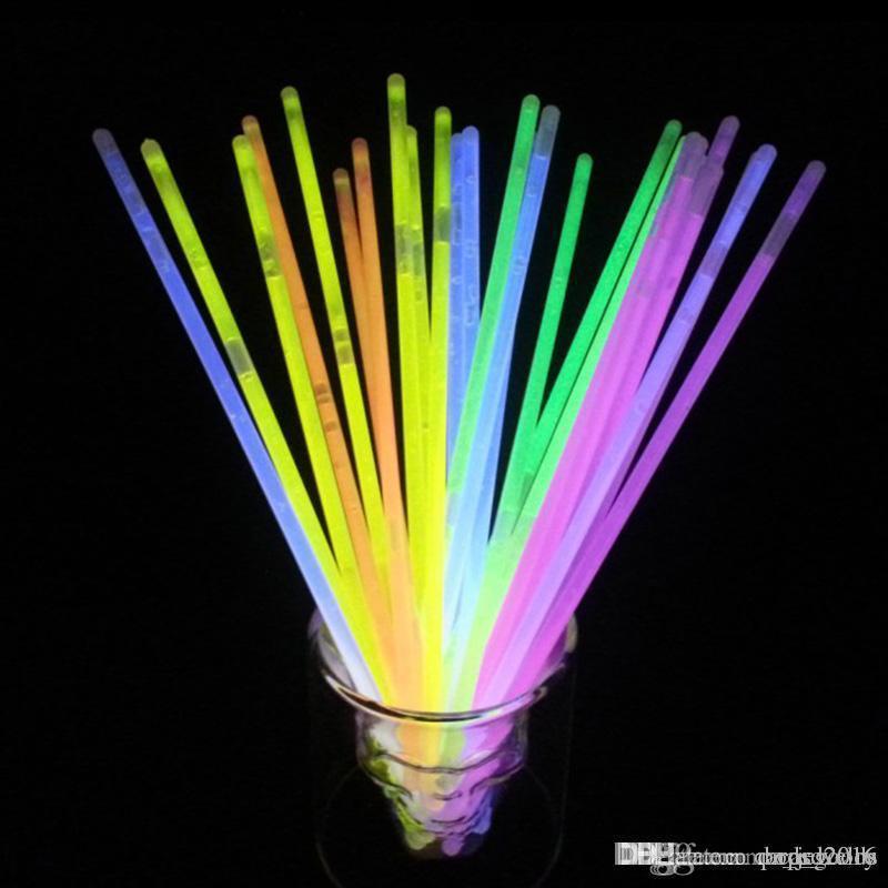 Çok Renkli Glow Sopa Bilezik Kolye Neon Parti Yanıp Sönen LED Işık Sopa Değnek Yenilik Oyuncak LED Vokal Konser 200 adet
