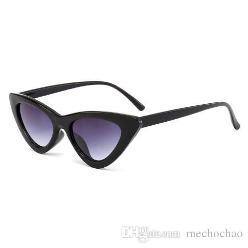 Femme Femme Femme Femme Unique Envoyer des lunettes de lunettes Dames Triangle à cadeau Lunettes de soleil Mode Lunettes de soleil lunettes YEUX BOÎTE EMBALLAGE CAT KXXX