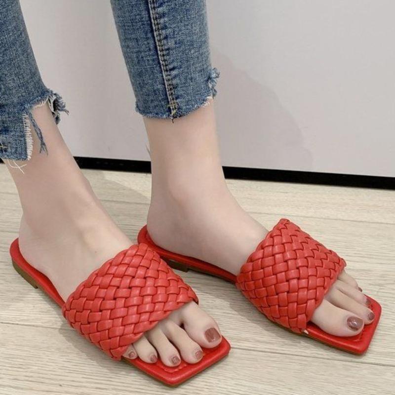 Chinelos de Verão Novo 2020 Toe Weave Mulheres Praça Outdoor Plano Slides Casual praia dos chinelos Sapatos deslizamento em Sandals