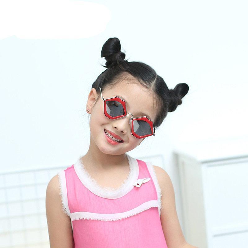Lip Shaped Specail Designer Sunglasses For Kids&women Metal Frames Baby Boys&girls Summer Child Sun Glasses Anti-uv Eyewear N292