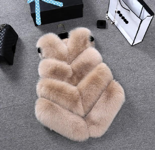 Les femmes manteau d'hiver manteau de fourrure de mode sans manches en fausse fourrure artificielle Gilet manteau chaud et confort Mode Automne Hiver Casual Slim